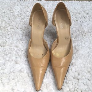 Women dress pump